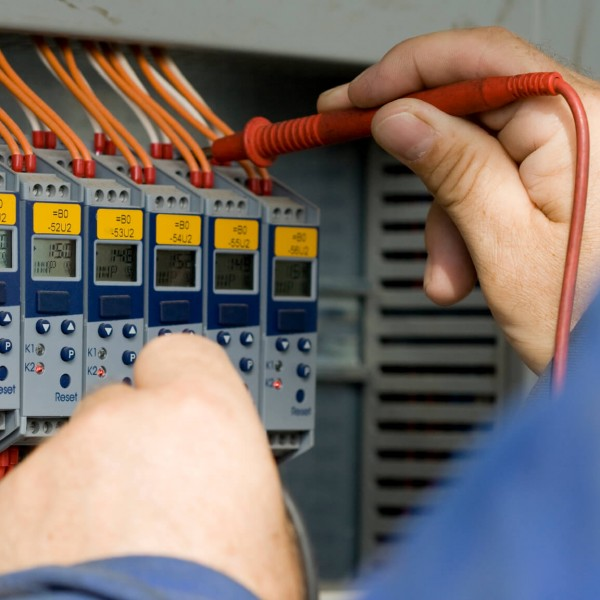 electrical-maintenance-service-chicago (1)